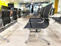 Καρέκλες πελατών που περιμένουν τους υπαλλήλους τραπεζών στην Ταϊλάνδη, queu Στοκ φωτογραφίες με δικαίωμα ελεύθερης χρήσης