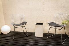 Καρέκλες Bertoia στοκ εικόνα