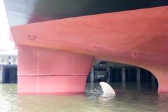 Καρίνα και βίδα του ωκεάνιου σκάφους Στοκ Φωτογραφία