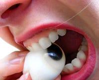 καραμέλα που τρώει το μάτι ό Στοκ φωτογραφία με δικαίωμα ελεύθερης χρήσης