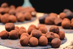 Καραμέλες τρουφών σοκολάτας πεδίο βάθους ρηχό Στοκ φωτογραφίες με δικαίωμα ελεύθερης χρήσης
