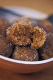 Καραϊβικά τρόφιμα: Tamarind σφαίρες στοκ εικόνα