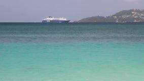 Καραϊβικό σκάφος της γραμμής θάλασσας και κρουαζιέρας στην επιδρομή ST George ` s, Γρενάδα απόθεμα βίντεο