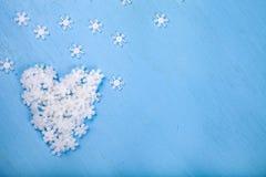 Καρδιά άσπρα snowflakes στοκ εικόνες