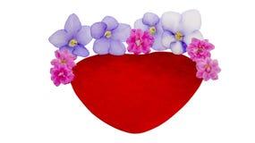 Καρδιά βελούδου και φυσικά λουλούδια στοκ εικόνες με δικαίωμα ελεύθερης χρήσης