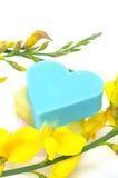 Καρδιά-διαμορφωμένα σαπούνια λουτρών Στοκ φωτογραφία με δικαίωμα ελεύθερης χρήσης