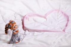 Καρδιά ενός αγγέλου της αγάπης και της ευτυχίας στο ST Valentine& x27 ημέρα του s Στοκ φωτογραφία με δικαίωμα ελεύθερης χρήσης