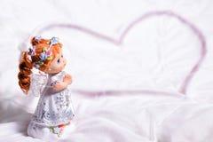 Καρδιά ενός αγγέλου της αγάπης και της ευτυχίας στο ST Valentine& x27 ημέρα του s Στοκ Φωτογραφίες