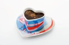 καρδιά μορφής φλυτζανιών κ στοκ εικόνα με δικαίωμα ελεύθερης χρήσης