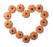 Καρδιά μπισκότων που διαμορφώνεται που απομονώνεται στο άσπρο υπόβαθρο Ψαλιδίζοντας μονοπάτι Στοκ Φωτογραφία
