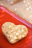 καρδιά μπισκότων που διαμορφώνεται Στοκ Φωτογραφία