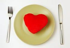 Καρδιά σε ένα πιάτο Στοκ φωτογραφία με δικαίωμα ελεύθερης χρήσης
