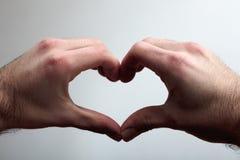 Καρδιά σε ένα χέρι Στοκ φωτογραφία με δικαίωμα ελεύθερης χρήσης