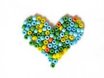 καρδιά χαντρών που γίνεται Στοκ φωτογραφία με δικαίωμα ελεύθερης χρήσης