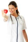 καρδιά χεριών αυτή νεολαίες νοσοκόμων Στοκ Φωτογραφία