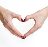 καρδιά χεριών που διαμορ&phi Στοκ φωτογραφία με δικαίωμα ελεύθερης χρήσης