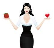 καρδιά brunette που κρατά το προ&kapp Στοκ Φωτογραφία