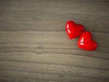Καρδιές βαλεντίνων στο ξύλινο υπόβαθρο στοκ εικόνες με δικαίωμα ελεύθερης χρήσης