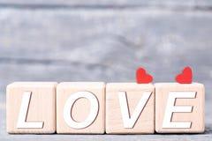Καρδιές με τους ξύλινους φραγμούς στοκ εικόνες με δικαίωμα ελεύθερης χρήσης
