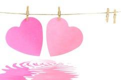 Καρδιές σε μια γραμμή ενδυμάτων Στοκ φωτογραφία με δικαίωμα ελεύθερης χρήσης