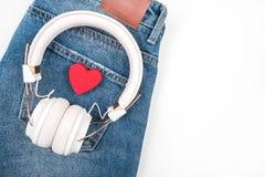Καρδιές στην τσέπη τζιν στοκ φωτογραφία