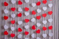 Καρδιές των κόκκινων και Λευκών Βίβλων στοκ εικόνες με δικαίωμα ελεύθερης χρήσης