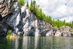 Καρελία όμορφο μαρμάρινο καλοκαίρι τοπίων φαραγγιών Στοκ φωτογραφία με δικαίωμα ελεύθερης χρήσης