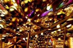 Καρναβάλι, φω'τα Χριστουγέννων, δυναμική ζώνη τουριστών στοκ εικόνες