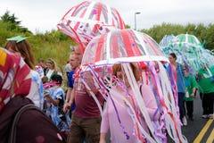 Καρναβάλι της παρέλασης φεστιβάλ γιγάντων σε Telford Shropshire Στοκ Εικόνες