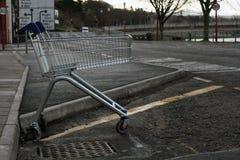 Καροτσάκι αγορών Στοκ φωτογραφία με δικαίωμα ελεύθερης χρήσης