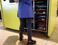 Καροτσάκι για το γρήγορο φαγητό δίσκων Στοκ φωτογραφία με δικαίωμα ελεύθερης χρήσης