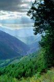 Καρπάθια ρουμανική κοιλάδα βουνών Στοκ φωτογραφία με δικαίωμα ελεύθερης χρήσης