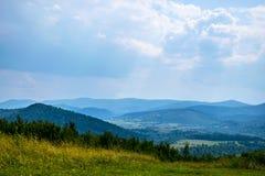 Καρπάθιοι λόφοι στην Ουκρανία Στοκ φωτογραφία με δικαίωμα ελεύθερης χρήσης