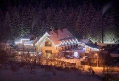 Καρπάθιο χειμερινό χωριό στοκ εικόνες