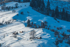 Καρπάθιο χειμερινό χωριό στοκ εικόνα