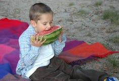 καρπούζι αγοριών Στοκ εικόνες με δικαίωμα ελεύθερης χρήσης