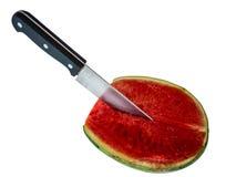 Καρπούζι περικοπών από το μαχαίρι στο άσπρο υπόβαθρο Στοκ φωτογραφία με δικαίωμα ελεύθερης χρήσης