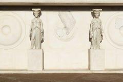 Καρυάτιδα στο αρχαιολογικό μουσείο Στοκ φωτογραφία με δικαίωμα ελεύθερης χρήσης