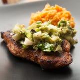 Καρυκευμένη μπριζόλα χοιρινού κρέατος Στοκ Εικόνες