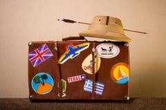 Καρυκευμένος αποσκευές ταξιδιώτης Στοκ Εικόνες