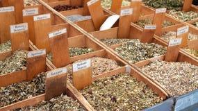 Καρυκεύματα και τσάι στην αγορά Στοκ φωτογραφία με δικαίωμα ελεύθερης χρήσης