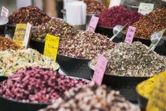 Καρυκεύματα, ferbs και ξηρά φρούτα Στοκ εικόνες με δικαίωμα ελεύθερης χρήσης