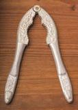 Καρυοθραύστης για το ράγισμα των nutlets στοκ φωτογραφία με δικαίωμα ελεύθερης χρήσης