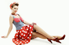 Καρφίτσα-επάνω στη νέα γυναίκα στο εκλεκτής ποιότητας αμερικανικό ύφος στοκ φωτογραφία με δικαίωμα ελεύθερης χρήσης