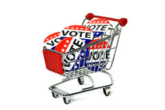 Καρφίτσες ψηφοφορίας εκλογής στο κάρρο αγορών Στοκ εικόνα με δικαίωμα ελεύθερης χρήσης