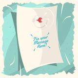 Καρφώστε το μήνυμά σας εδώ! Ένα μήνυμα στο κενό κατσαρωμένο φύλλο εγγράφου Στοκ Εικόνες