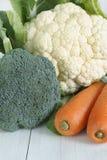 Καρότα και κουνουπίδι μπρόκολου Στοκ εικόνες με δικαίωμα ελεύθερης χρήσης