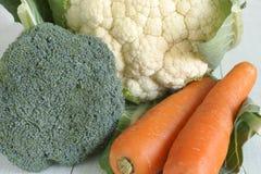 Καρότα και κουνουπίδι μπρόκολου Στοκ φωτογραφία με δικαίωμα ελεύθερης χρήσης