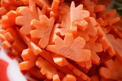 Καρότα που τεμαχίζονται φρέσκα Στοκ Φωτογραφίες
