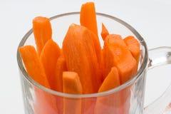 Καρότα στο φλυτζάνι γυαλιού Στοκ φωτογραφία με δικαίωμα ελεύθερης χρήσης